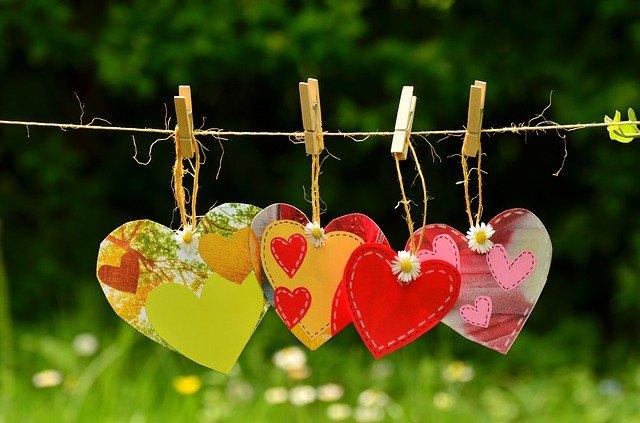 در ستایش عشق